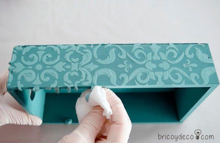 florero-con-stencil-y-pasta-relieve-09