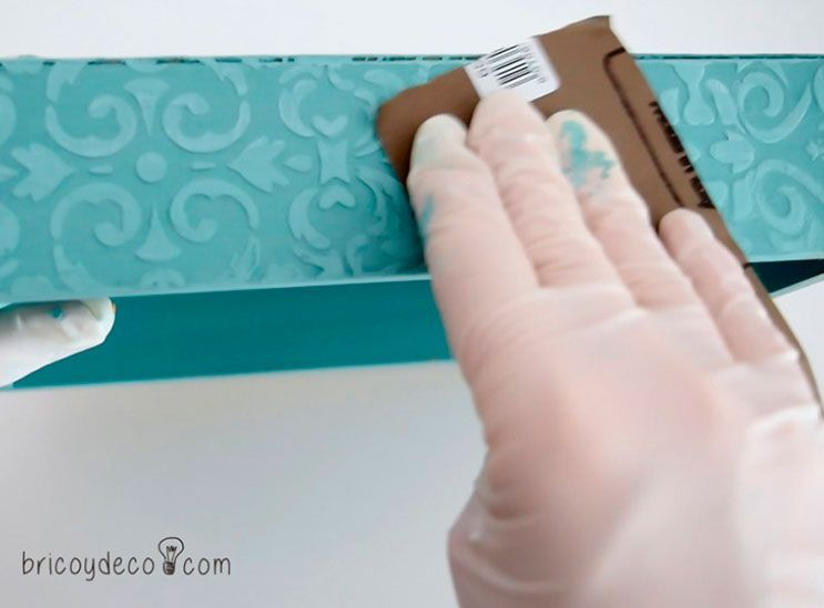 florero-con-stencil-y-pasta-relieve-10