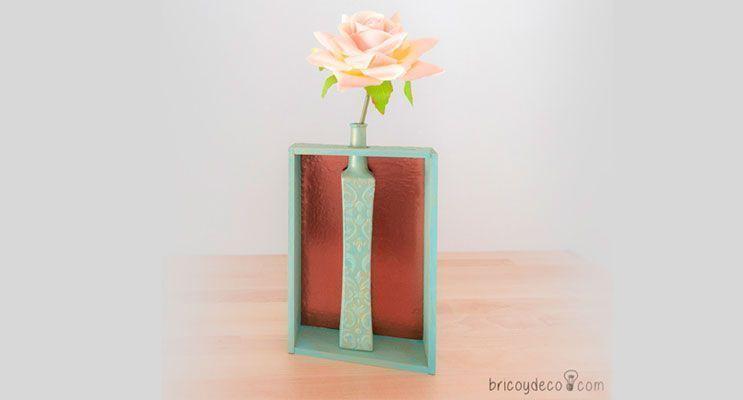 Portada-florero-con-stencil-y-pasta-relieve