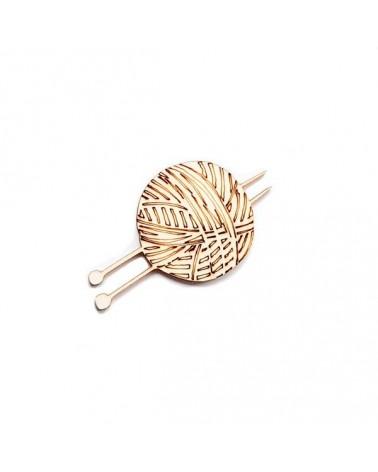 Wood Silhouette Figure 198 Ball of Wool